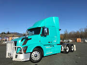 2012 Volvo Heavy Spec Flat top sleeper includes a 400, 000 km warranty