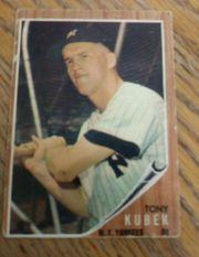 1962 TOPPS SEMI HI #430 TONY KUBEK NEW YORK YANKEES